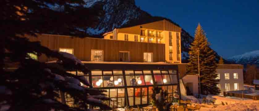 Montgenevre - village club - exterior night